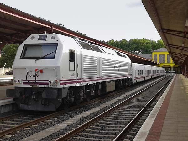 Trenhotel Train